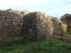 A Rocha Forte, el castillo olvidado de las afueras de Santiago